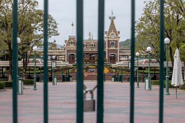 Disneyland Resort tai Hong Kong dong cua vi dai dich